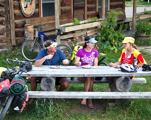 On our tours, you'll build relationships with other riders.