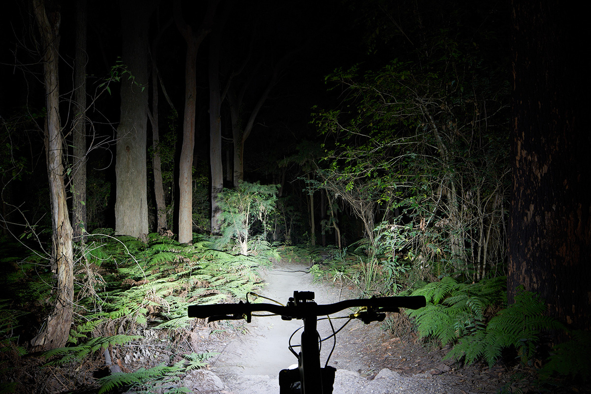 The K-Lite Snow/MTB model illuminates surroundings with a wide beam.