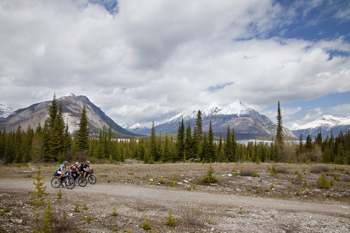 Self-supported guided tour great divide mountain bike route