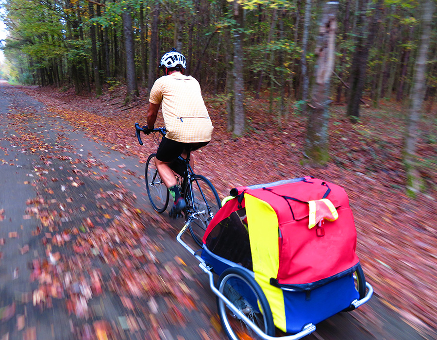 Bicycle-trail-with-baby-trailer